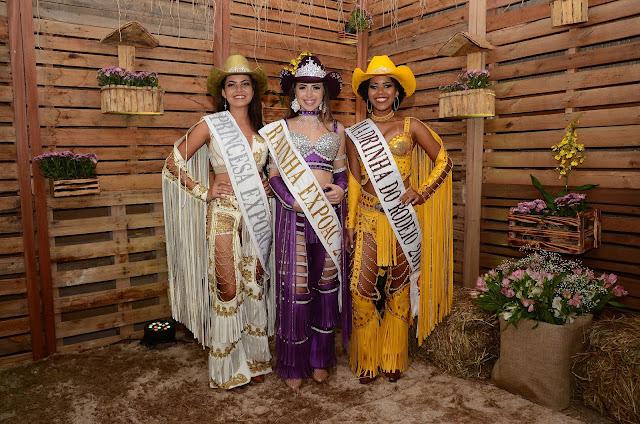 Dayoha Colombi é eleita a Rainha, Sabrina de Paula a Madrinha e Merièlen Vieira a Princesada da Expoac 2017