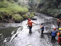 Dua Hari Tidak Pulang,  Sendal dan Baju Ditemukan Di Pinggir Sungai