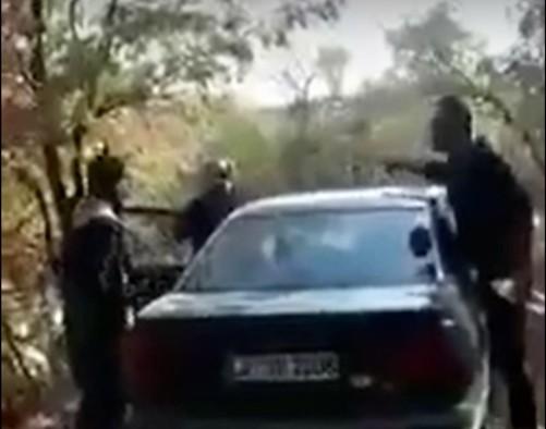 Αποκαλυπτικό βίντεο: Κρυμμένο αυτοκίνητο περιμένει μετανάστες μόλις περάσουν τον Έβρο