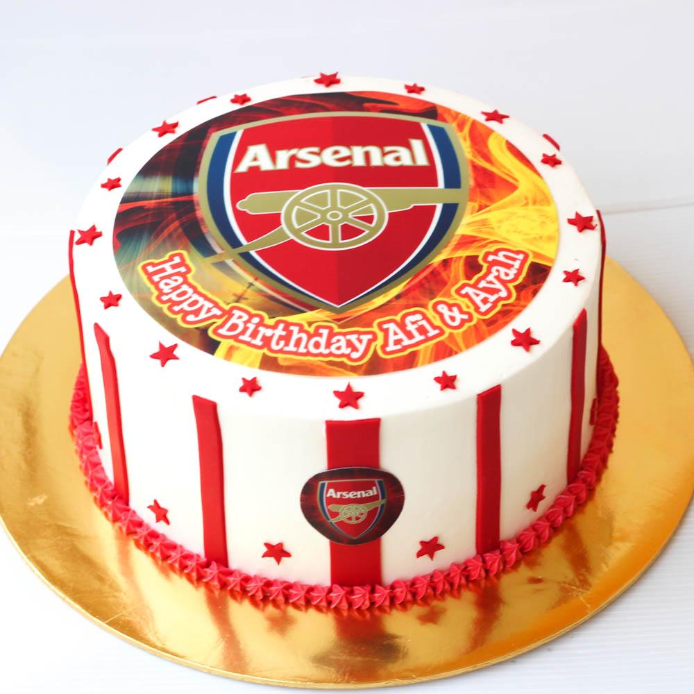Lynn BabyCakes: Birthday Cake Arsenal Themed