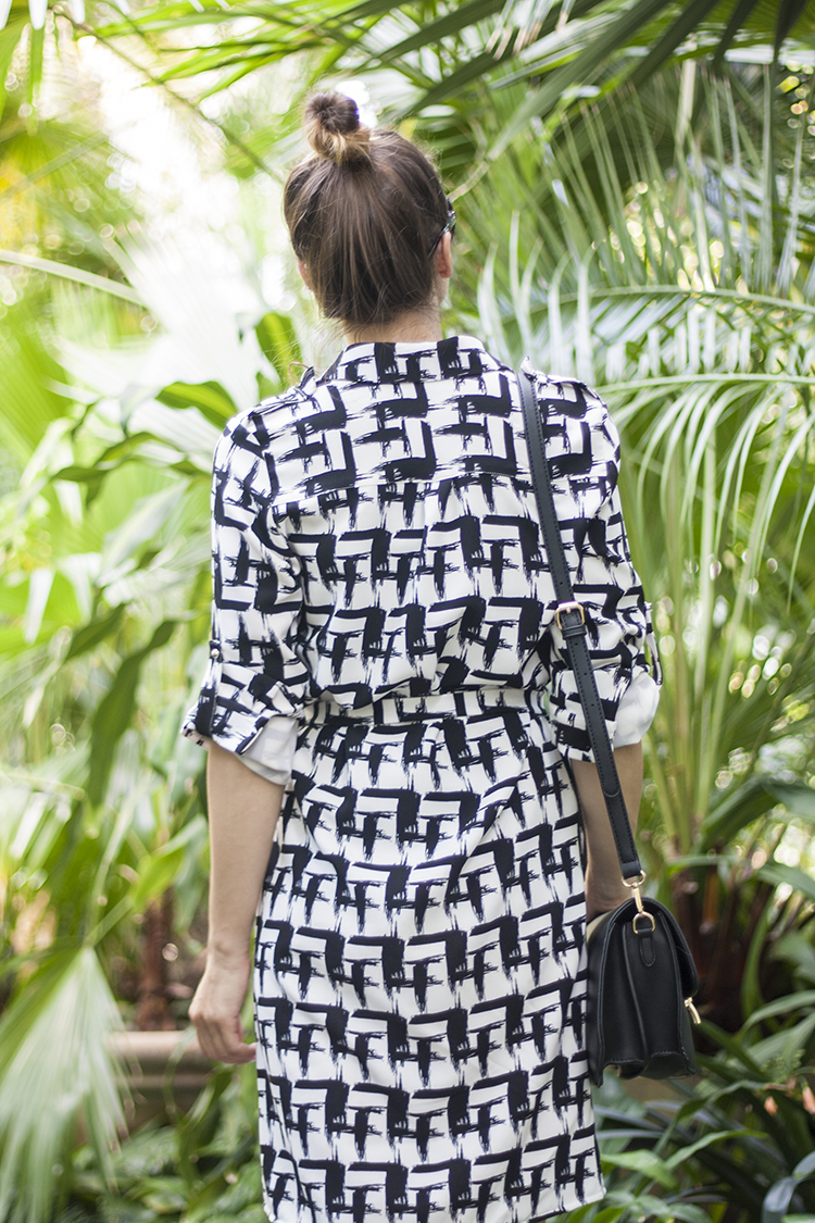 Skinny Buddha black and white graphic print shirt dress