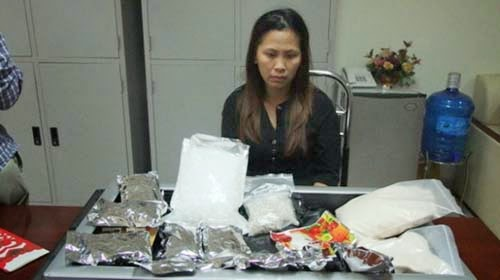 Nữ quái chuyển 5kg ma túy về Việt Nam
