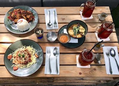 Restoran Siku, Resto Konsep Piknik Cocok Buat Ngedet Bersama Pasangan Kamu