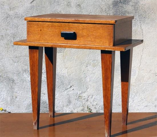 chicbaazar objets vintage 50 60 70 table de nuit vintage. Black Bedroom Furniture Sets. Home Design Ideas
