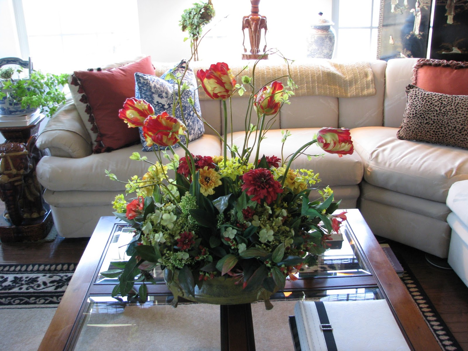 living room flower arrangements guest post from stonegable 15854