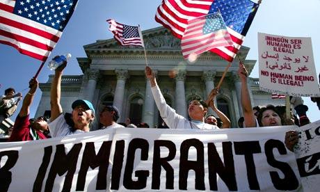 قوانين جديدة تعدها إدارة ترامب تستهدف المهاجرين في الولايات المتحدة
