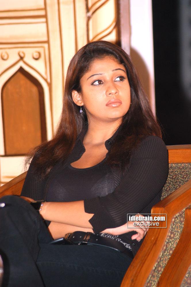 Nayanthara Boobs Show In White Bra Transparent-8811