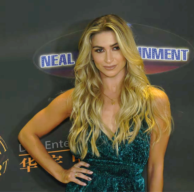 Daniella Karagach Hot Photos At 24th Annual Family Film Awards Red Carpet Fashion Navel Queens
