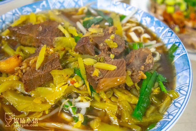 【苗栗三義美食】金榜麵館。不只有豬頭肉這裡牛肉客家麵也推 | 妮喃小語