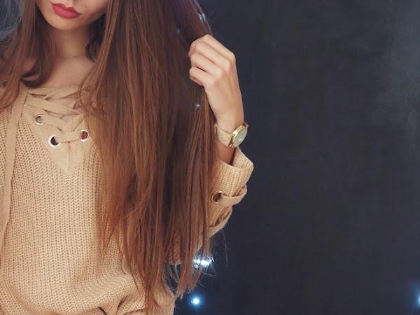 141. Beżowy sweter z wiązaniem i zegarek Geneva.
