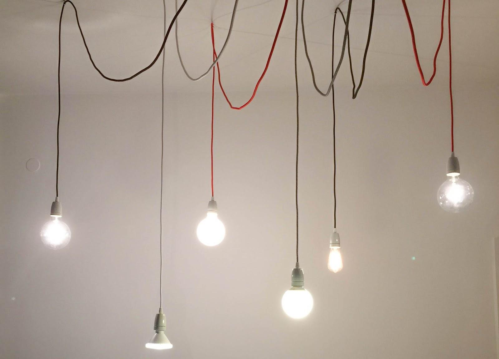 Rope: lampada con cavi colorati in tessuto daniele drigo