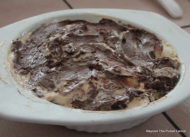 mud pie, gluten free, dessert, ice cream pie, recipe, coffee ice cream, whip cream, pie, http://bec4-beyondthepicketfence.blogspot.com/2016/02/foodie-friday-gluten-free-mud-pie.html