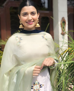Nimrat Khaira in home