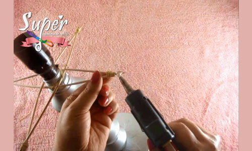 DIY-Beside-lamp-From-plastic-bottles12.j