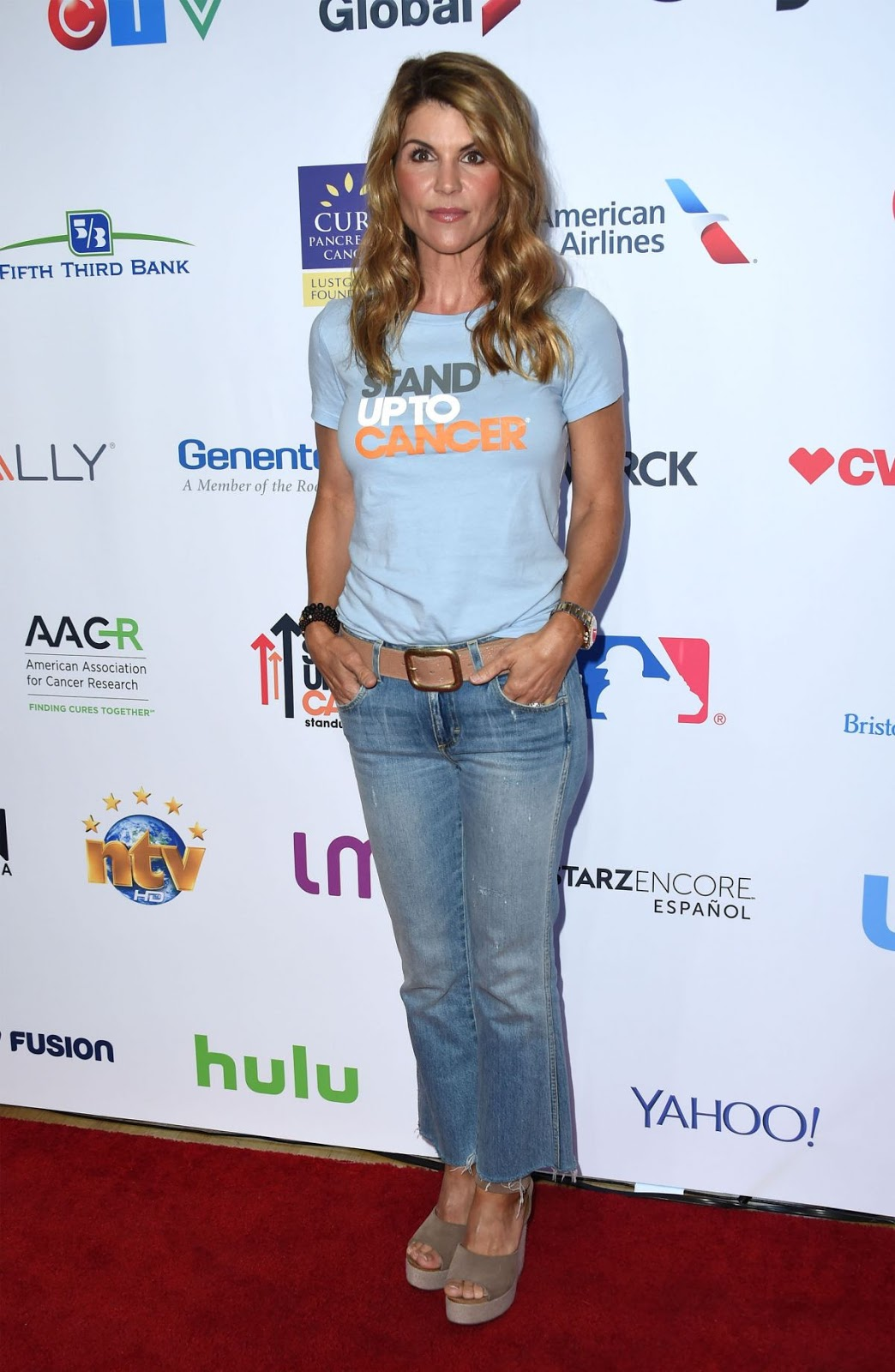 Lori Loughlin At 5th Biennial Stand Up To Cancer In Los Angeles