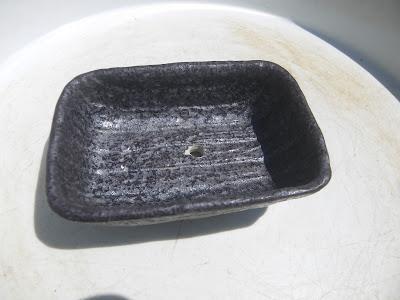 小さい鉢 穴