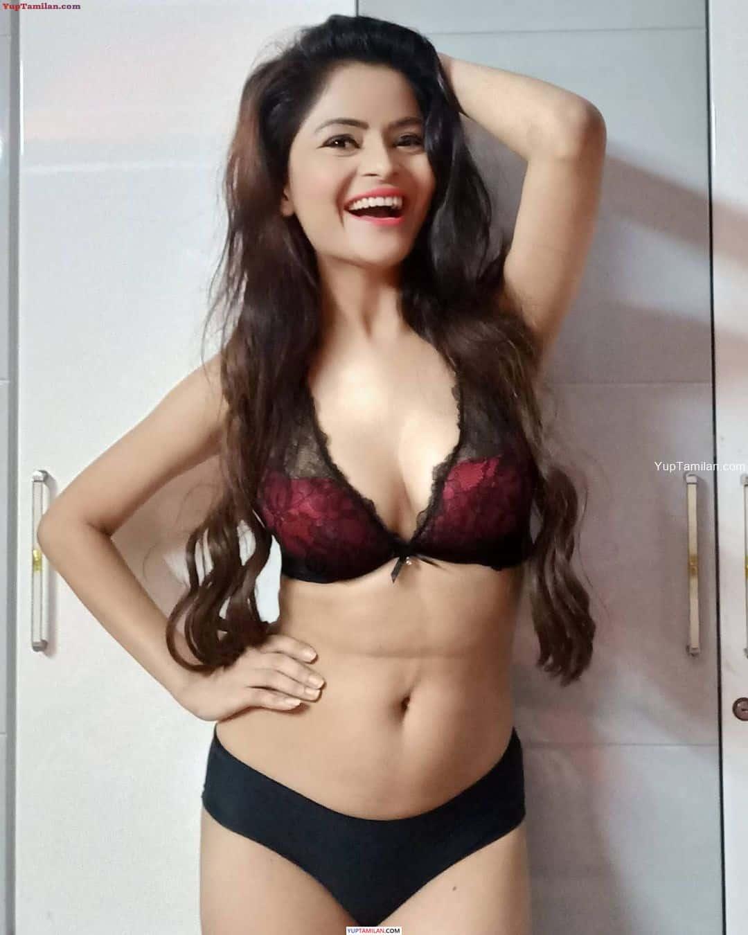 Gehana Vasisth sexy Photos in Lingerie, Bikini- Boobs cleavage Pics