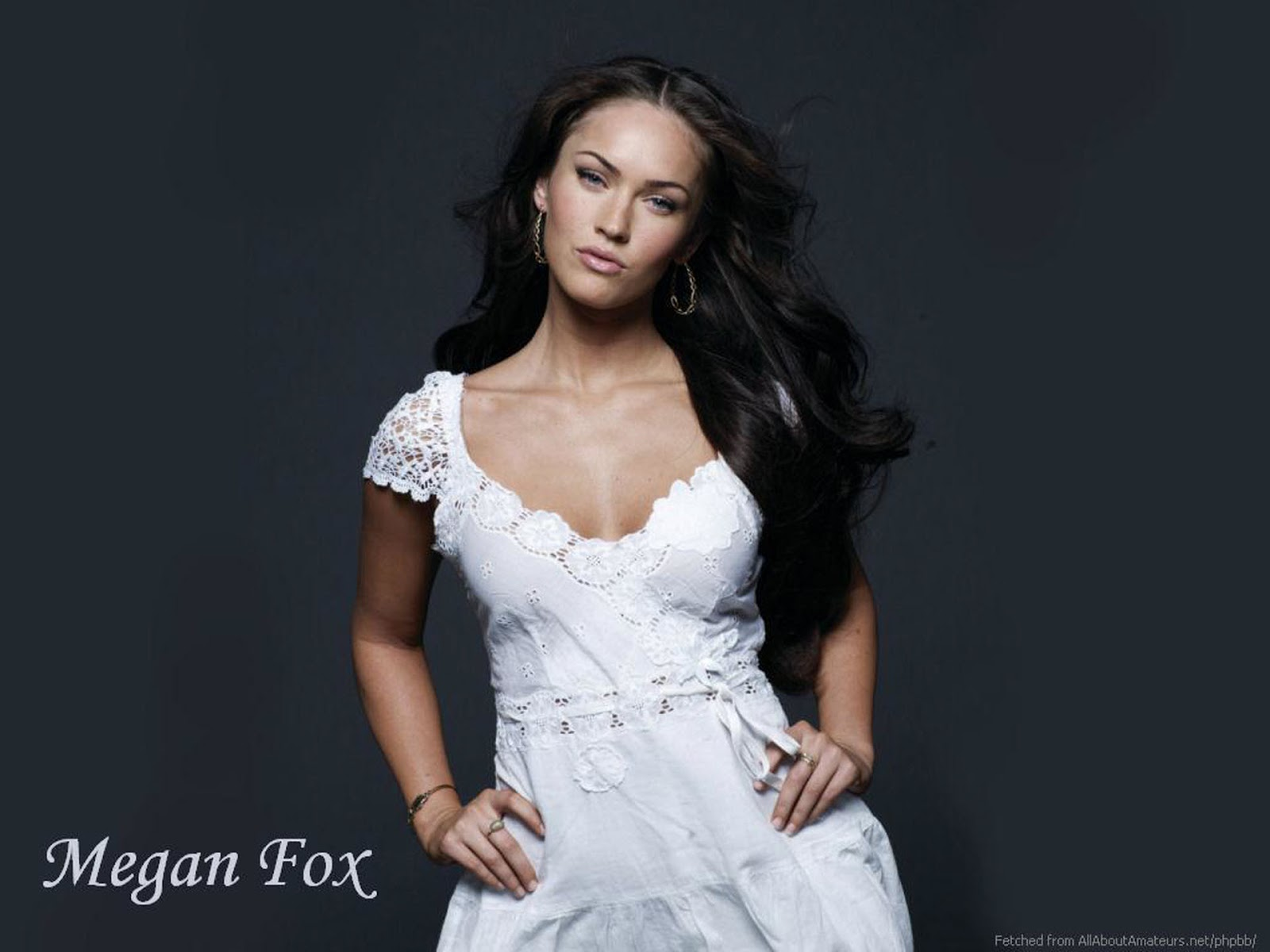 http://1.bp.blogspot.com/-EETCiXcO8GY/UNWAAJNU41I/AAAAAAAApno/X2tZioxJkd0/s1600/Megan+Fox+-+Hot+HD+Wallpapers+0013.jpg