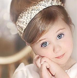 صور بنت جميلة اميرة كيوت تلبس تاج رائع للغاية
