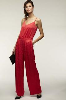 combinaison pantalon satinée rouge collection mariage en vue naf naf 2019
