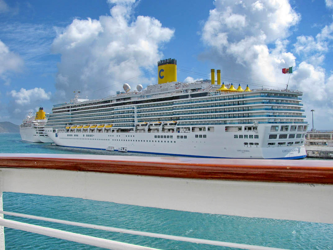 lines in cruise ships