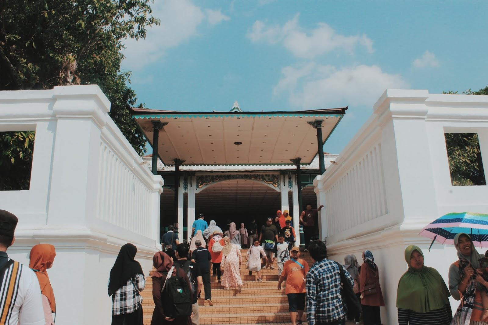 Keraton Yogyakarta Tiket Masuk Dan Foto Foto Siyoo