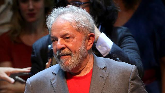 Com habeas corpus negado pelo STF (Supremo Tribunal Federal) na madrugada de quinta (5), o ex-presidente Lula deve se entregar na sede da Policia Federal.