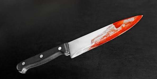 SINISTRO - Homem esfaqueia colegas, mata amigo e lambe sangue das vítimas