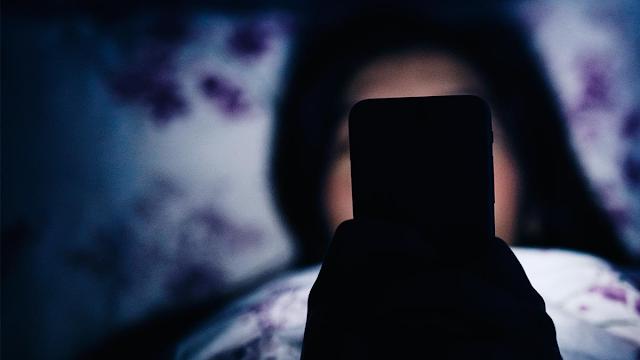phone cause insomnia
