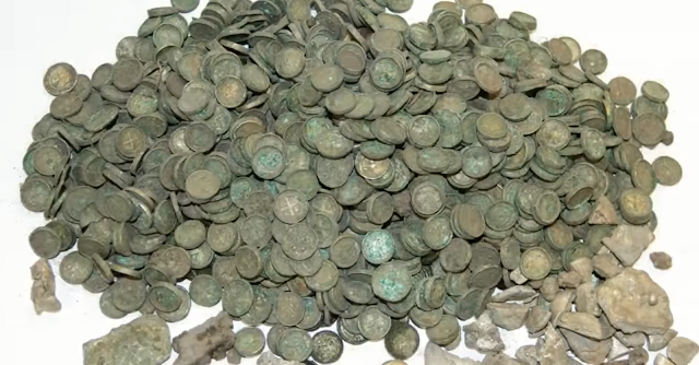 Medieval treasure trove 'belonging to princess' found in Polish cornfield