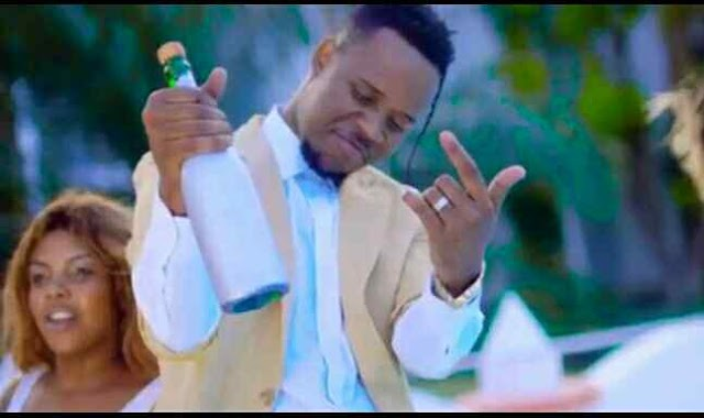 Download Video | T Max ft Mr Nay (Nay Wa Mitego) - Tungi