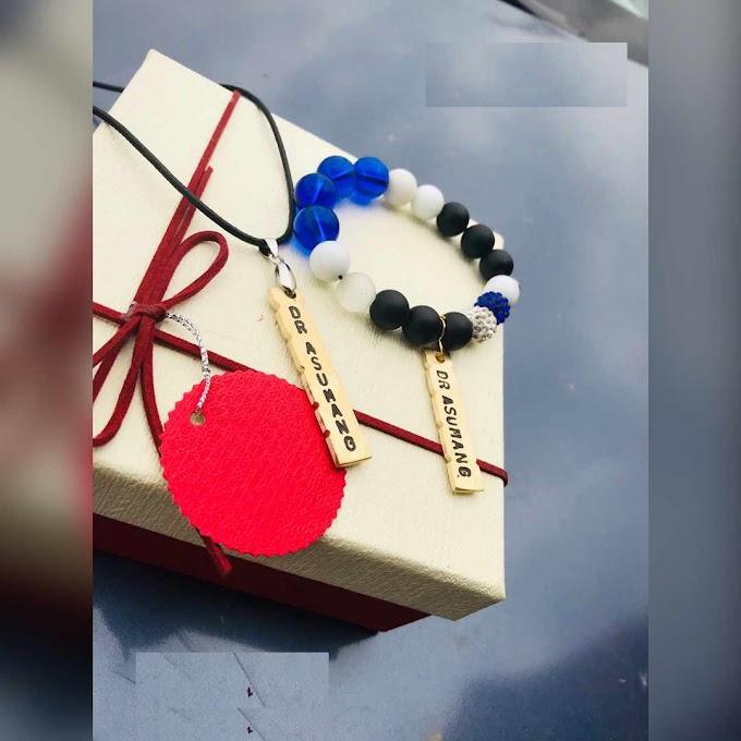 Customized 1 Bracelet, 1 Necklase Set   TNSPARKLE005
