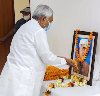 nehru-anniversiry-in-bihar-nitish-tribute