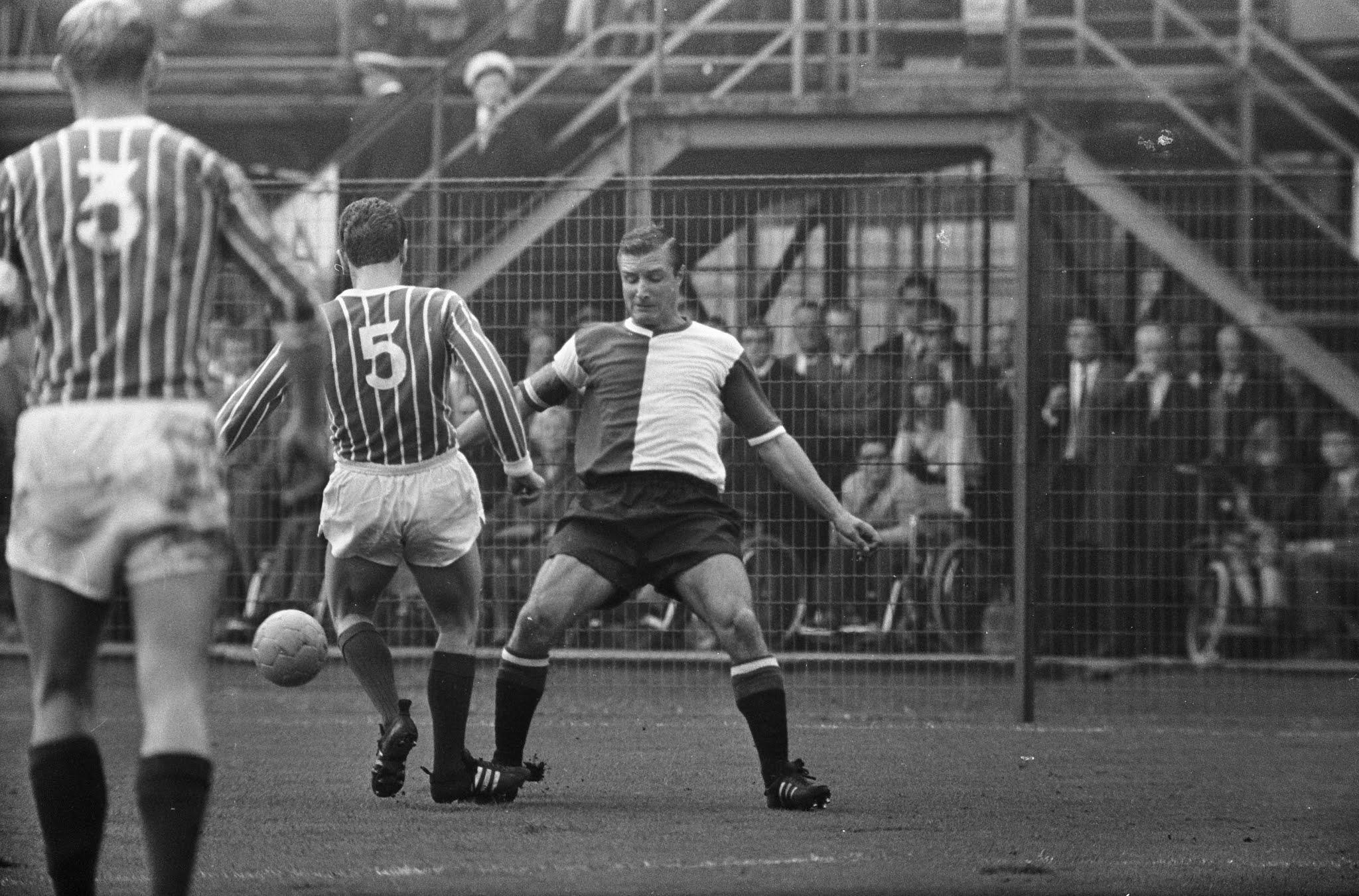 Feyenoord-aanvoerder Cor Veldhoen