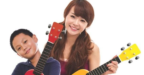 MOST ADVANCED AND VERY PROFESSIONAL UKULELE COURSE AND GUITAR CLASS IN SINGAPORE