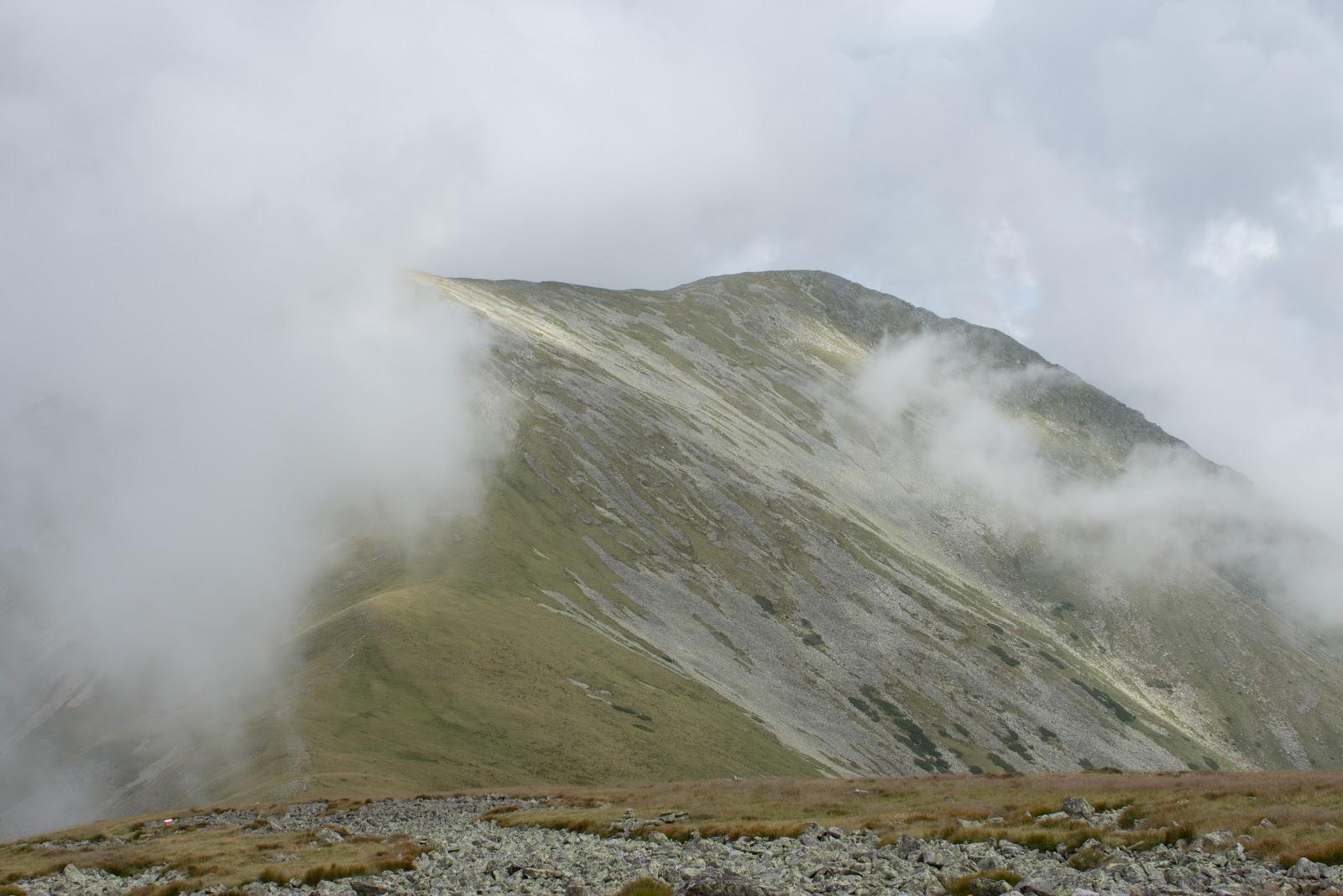 Wanderung vom Ingeringgraben über den Schmähhausrücken auf den Hochreichart. - Nebel am Gipfel