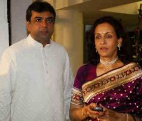 Swaroop Sampat Family Husband Son Daughter Father Mother Marriage Photos Biography Profile.