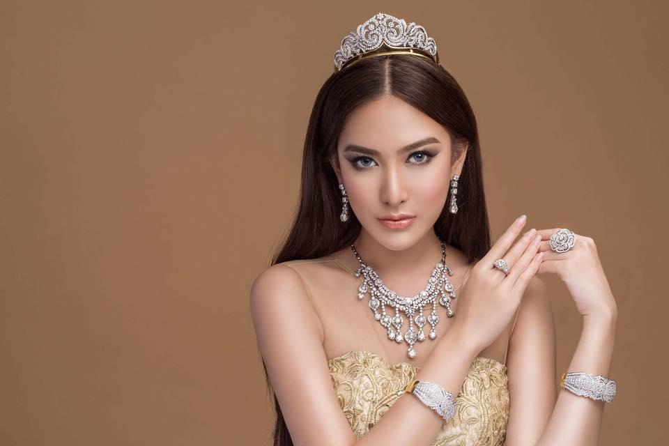 Sue Sha Naing (aka) Patricia Fashion Photoshoot for Taw Win Jewelry Store