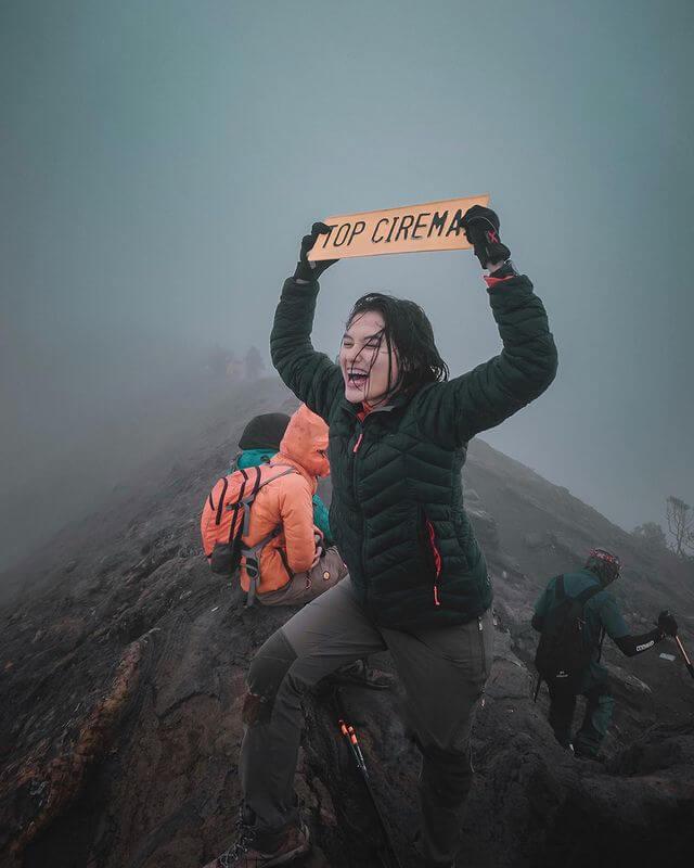 Mendaki gunung bisa mengurangi stres dan buat lebih bahagia - foto instagram djputrii