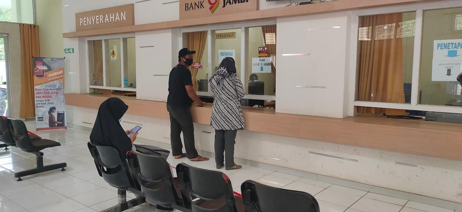 Realisasi Penerimaan Pajak Kendaraan di UPTD-PPD Samsat Tanjabtim Over Target