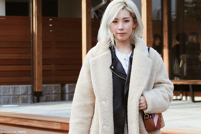 Japanese Fashion Blogger,MizuhoK,20190210OOTD, H&M=bear coat,earrings, ZARA= biker jacket,enamel dark red boots, GU= white tee, Knit pants, Zaful= multi colors bag, Shshi,Bershka= necklace,