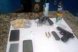 http://vnoticia.com.br/noticia/4112-pm-prende-homem-e-apreende-dois-menores-armados-na-ilha-dos-mineiros