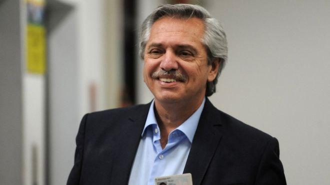 Fernández gana en primera vuelta y Macri pierde la reelección a presidente en Argentina