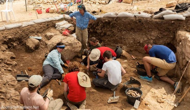 Arqueólogos en ruinas de ciudad bíblica de Silo