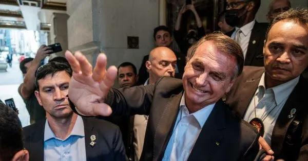 «Θα είμαι ο τελευταίος Βραζιλιάνος που θα εμβολιαστεί»: Ο Ζ.Μπολσονάρο απορρίπτει τα υγειονομικά διαβατήρια