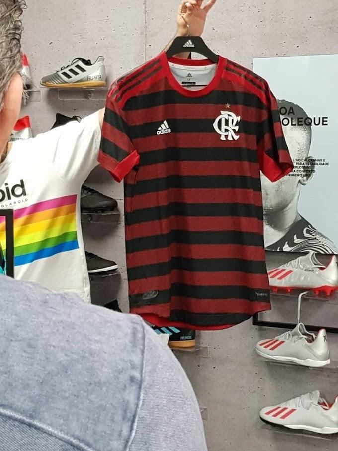 Vaza nova camisa do Flamengo para temporada 2019/20
