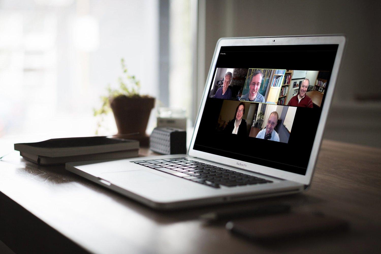 Cara Install dan Buat Akun Zoom Cloud Meeting: Mengajar atau Meeting Video Online di Laptop Anda