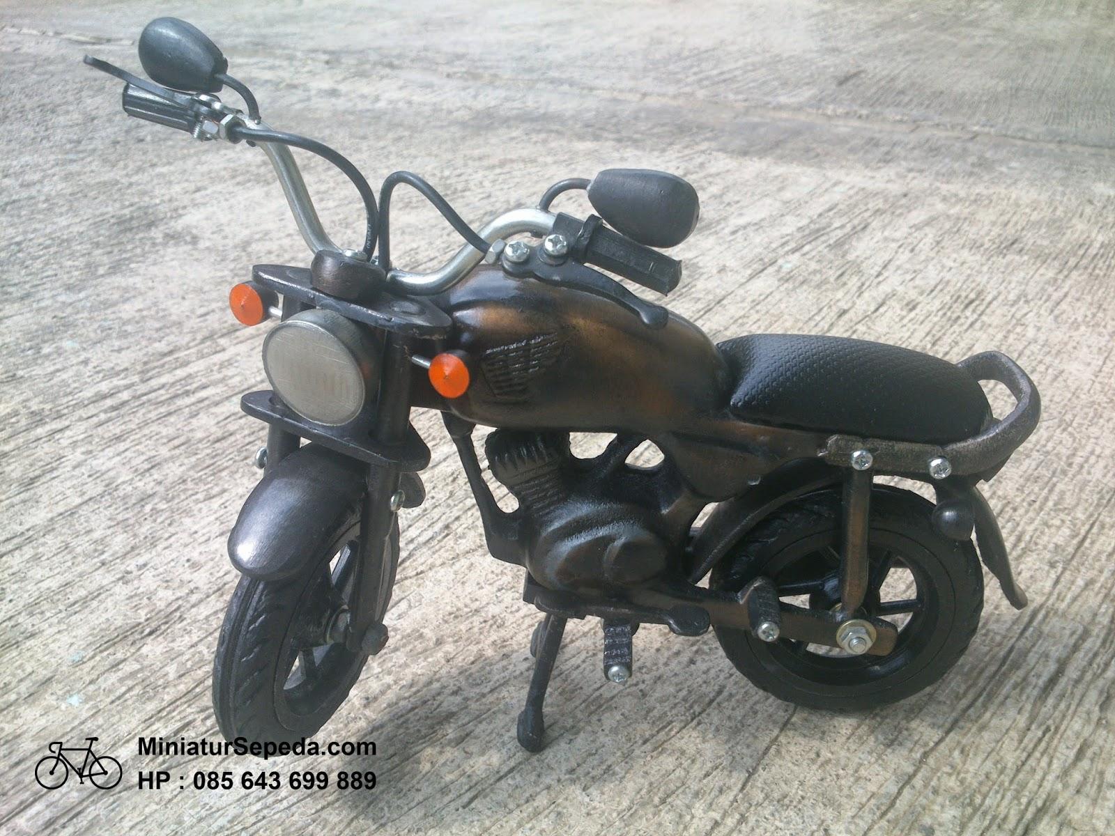 Miniatur Sepeda Motor CB