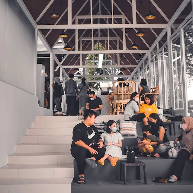 Edelweiss Tea & Coffee House Bandung