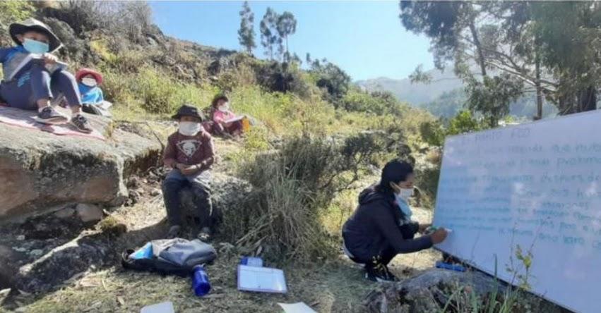 APRENDO EN EL CAMPO: Conoce a la trabajadora social que educa en zona rural de Ayacucho